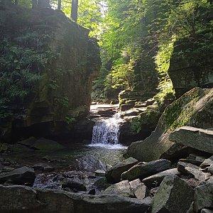 Satinské vodopády, Chladná voda, Lysá hora, Ivančena