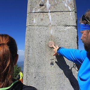 Martin a Jana Halamíčkovi na vrcholu Lysá hora (6.5.2018 13:01)