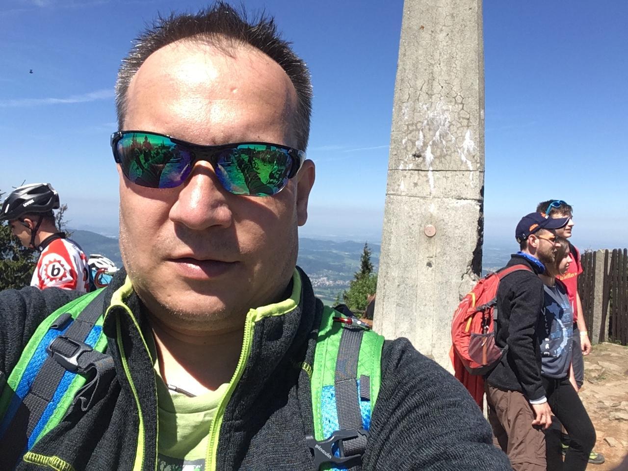 Pery na vrcholu Lysá hora (13.5.2018 11:34)