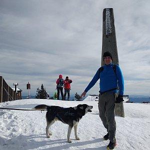 Joch a Dingo na vrcholu Lysá hora (16.2.2020 13:33)