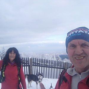 Joch a Dingo na vrcholu Lysá hora (8.3.2020 15:19)