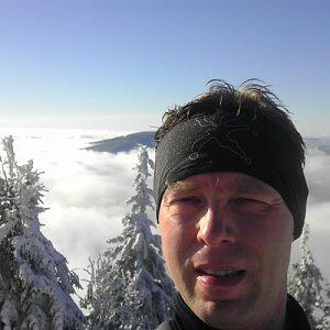 Petr Papcun na vrcholu Lysá hora (28.11.2015 16:43)