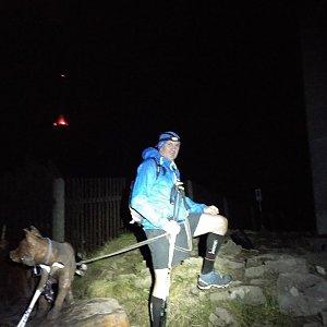 Joch a Dingo na vrcholu Lysá hora (30.10.2018 18:14)