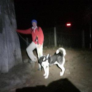 Joch a Dingo na vrcholu Lysá hora (3.11.2018 19:54)