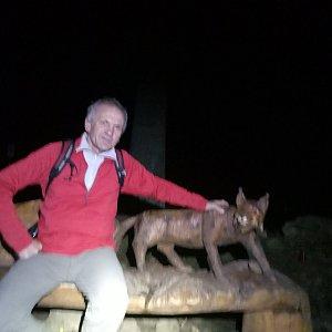 Joch a Dingo na vrcholu Lysá hora (25.11.2018 17:50)