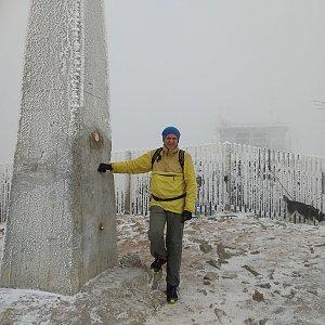 Joch a Dingo na vrcholu Lysá hora (2.12.2018 12:22)