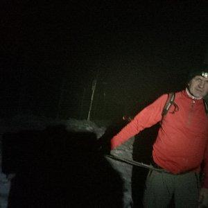 Joch a Dingo na vrcholu Lysá hora (4.12.2018 19:13)