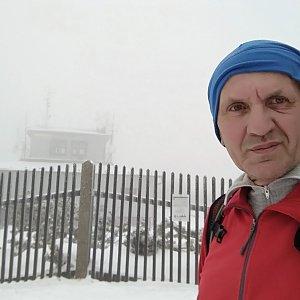 Joch a Dingo na vrcholu Lysá hora (23.12.2018 13:35)