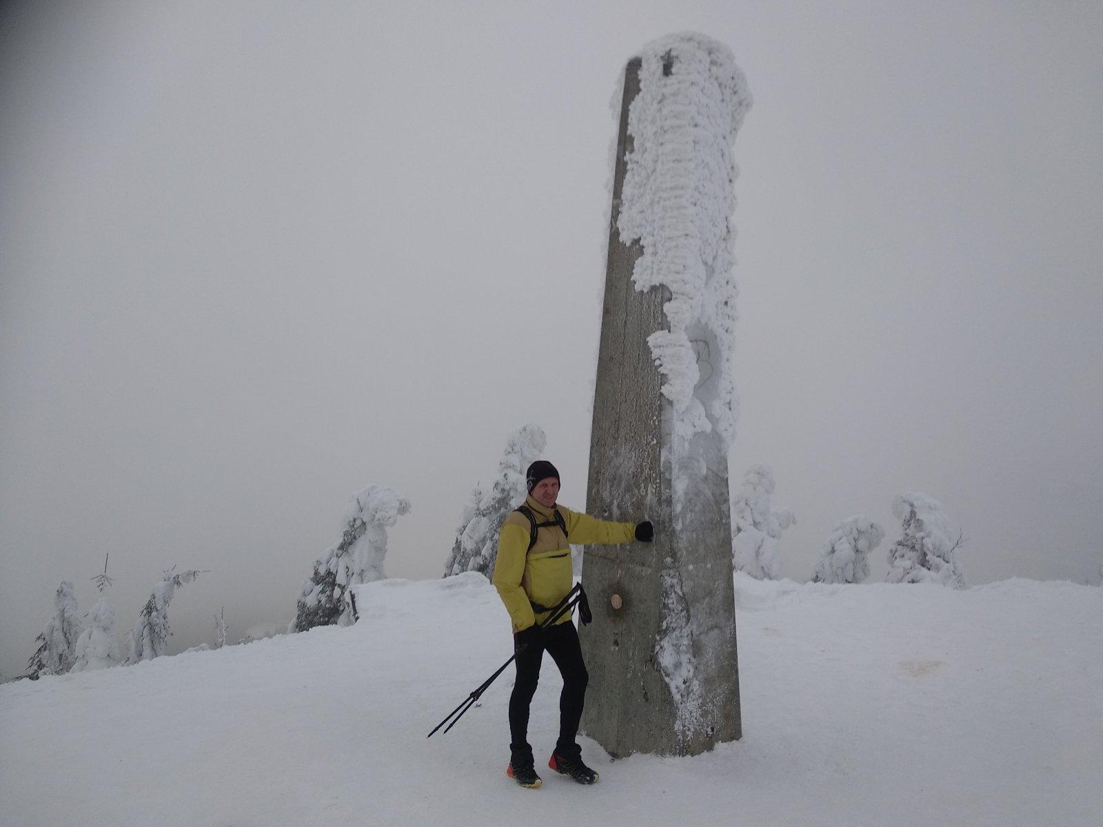 Joch a Dingo na vrcholu Lysá hora (27.1.2019 16:05)