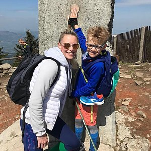 Lucie na vrcholu Lysá hora (1.5.2019 11:30)