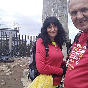 Joch a Dingo na vrcholu Lysá hora (8.5.2019 12:20)