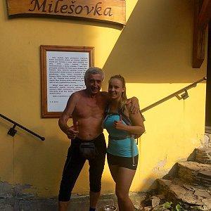 Monča Čaganová na vrcholu Milešovka (2020)
