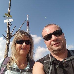 Jiří a Iveta na vrcholu Skrzyczne (4.9.2021 14:49)