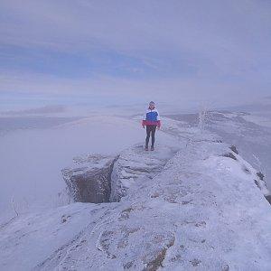 Roman Tigge na vrcholu Malinowska Skala (13.1.2020 11:35)