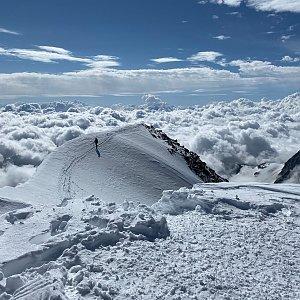 Martin Malý na vrcholu Weissmies (3.8.2021 10:02)