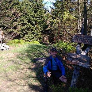 Petr Bartoň na vrcholu Ropice (6.5.2018 9:06)