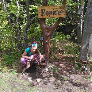 Michelle Sýkorová na vrcholu Ropice (6.6.2020 11:54)