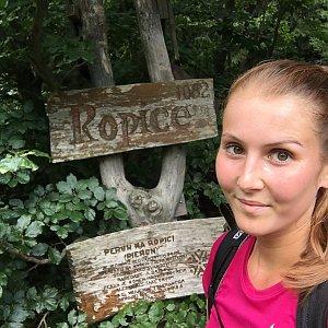 Natálie Cváčková na vrcholu Ropice (15.7.2018 13:40)