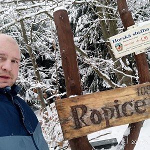 Petr Petrik na vrcholu Ropice (7.2.2021 15:58)