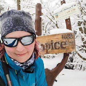 Daniela Vajsová na vrcholu Ropice (20.3.2021 15:37)