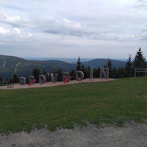 Eliška na vrcholu Medvědín (15.6.2021 18:00)