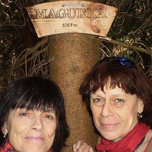 Vlasta a Zdena na vrcholu Magurka (21.4.2018 11:22)