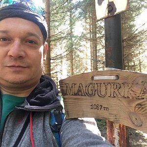 Pery na vrcholu Magurka (11.5.2019 11:03)