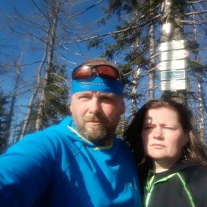 Martin a Jana Halamíčkovi na vrcholu Velký Polom (27.10.2019 10:35)