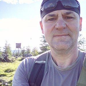 Li Be na vrcholu Jelení loučky (6.7.2020 8:05)
