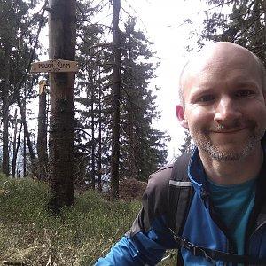 Petr Bartoň na vrcholu Malý Polom (15.4.2018 10:23)