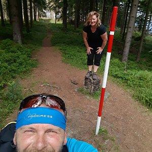 Martin a Jana Halamíčkovi na vrcholu Malý Polom (29.8.2020 11:52)