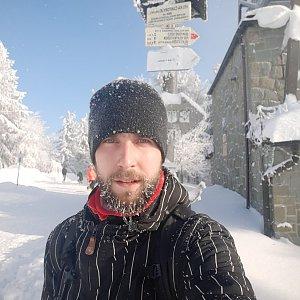 Filip Šimon na vrcholu Velká Čantoryje / Czantoria Wielka (17.1.2021 11:20)