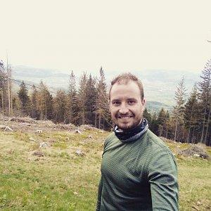 Bartek_na_cestach na vrcholu Kozubová (1.5.2020 6:48)
