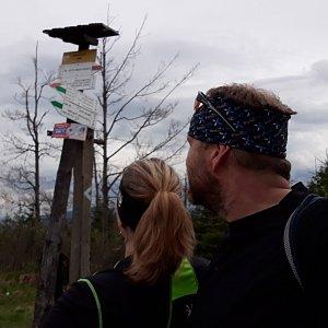Martin a Jana Halamíčkovi na vrcholu Kyčera / Kiczory (15.5.2021 16:23)