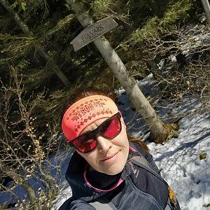 Michelle Sýkorová na vrcholu Folvark (10.4.2021 11:01)