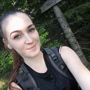 Nela na vrcholu Folvark (7.6.2019 18:30)