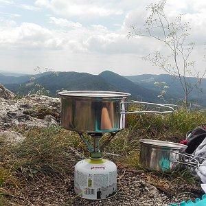 Denisa na vrcholu Vápeč (7.7.2018 12:00)