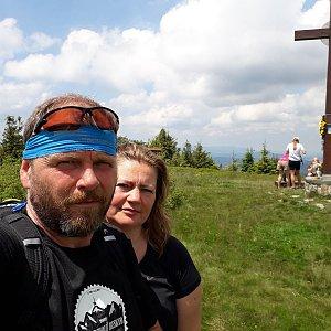 Martin a Jana Halamíčkovi na vrcholu Velká Rača (4.7.2020 12:47)