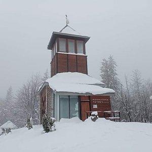 Milan Meravy na vrcholu Čerchlaný Beskyd (21.1.2021 9:50)