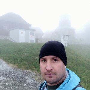 Bartek_na_cestach na vrcholu Čerchlaný Beskyd (15.10.2021 8:00)