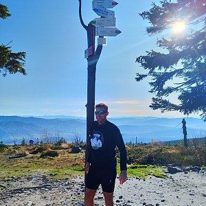 Standa na vrcholu Barania Góra (8.11.2020 11:00)