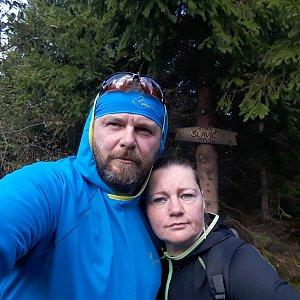 Martin a Jana Halamíčkovi na vrcholu Slavíč (20.10.2019 11:40)