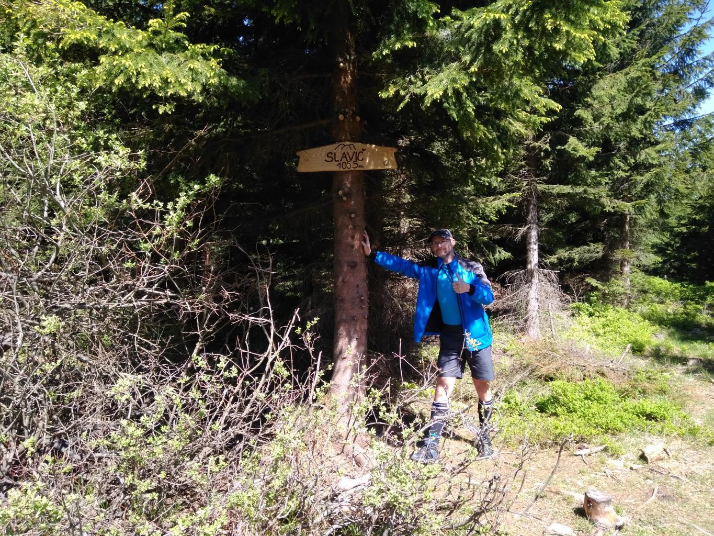 Petr Bartoň na vrcholu Slavíč (6.5.2018 11:45)