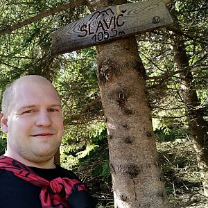 Petr Petrik na vrcholu Slavíč (1.6.2020 16:50)