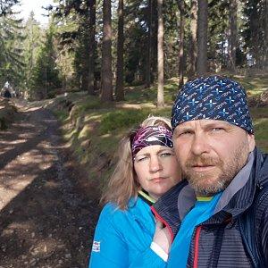 Martin a Jana Halamíčkovi na vrcholu Sulov (1.5.2021 20:06)