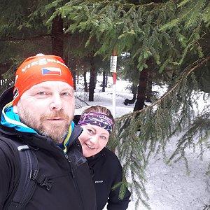 Martin a Jana Halamíčkovi na vrcholu Kobylanka (2.2.2020 11:58)