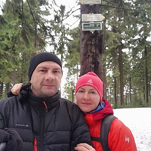 Dana + jirka na vrcholu Kobylanka (2.2.2020 11:48)