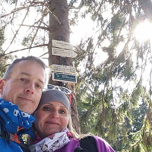 I+L Rajnochovi na vrcholu Kobylanka (4.4.2020 11:31)