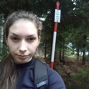 Daniela na vrcholu Kobylanka (4.5.2020 9:55)