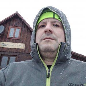Vítězslav Vrána na vrcholu Hážovické Díly (28.1.2020 15:54)